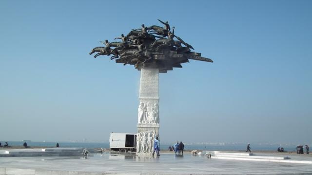 Gündoğdu Meydanı